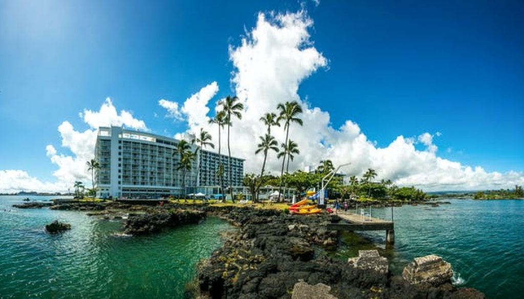 Historic-Hilo-Bay-and-Waterfalls-by-Kayak-Tour-image-1