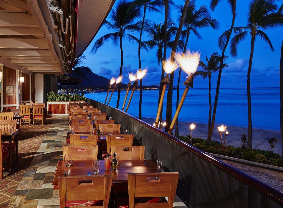 hula-grill-waikiki-1800-70625d13a3250cca11813a0e1cc85451